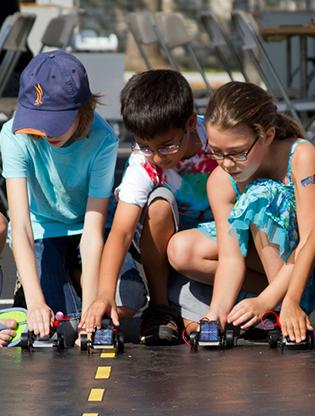 Kids prepare for the solar car race