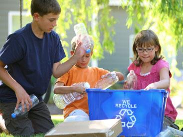 kids recycling bottles