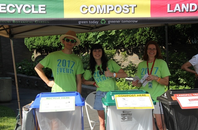 Volunteers Mark Five Years of Educating – Composting – Recycling at Garden Events